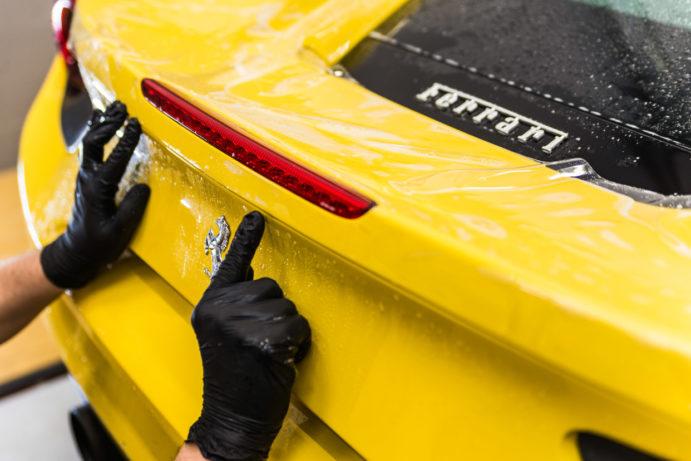 Ferrari 488 GTB Xpel, CarSPA, detailing, powłoki ochronne, powłoki ceramiczne, hydrofobizacja szyb, powłoki ochronne, carwash, korekta lakieru, zabezpieczenie samochodu, stylizacja foliami,